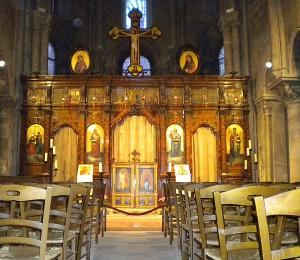 St-julien-le-pauvre-paris-inside